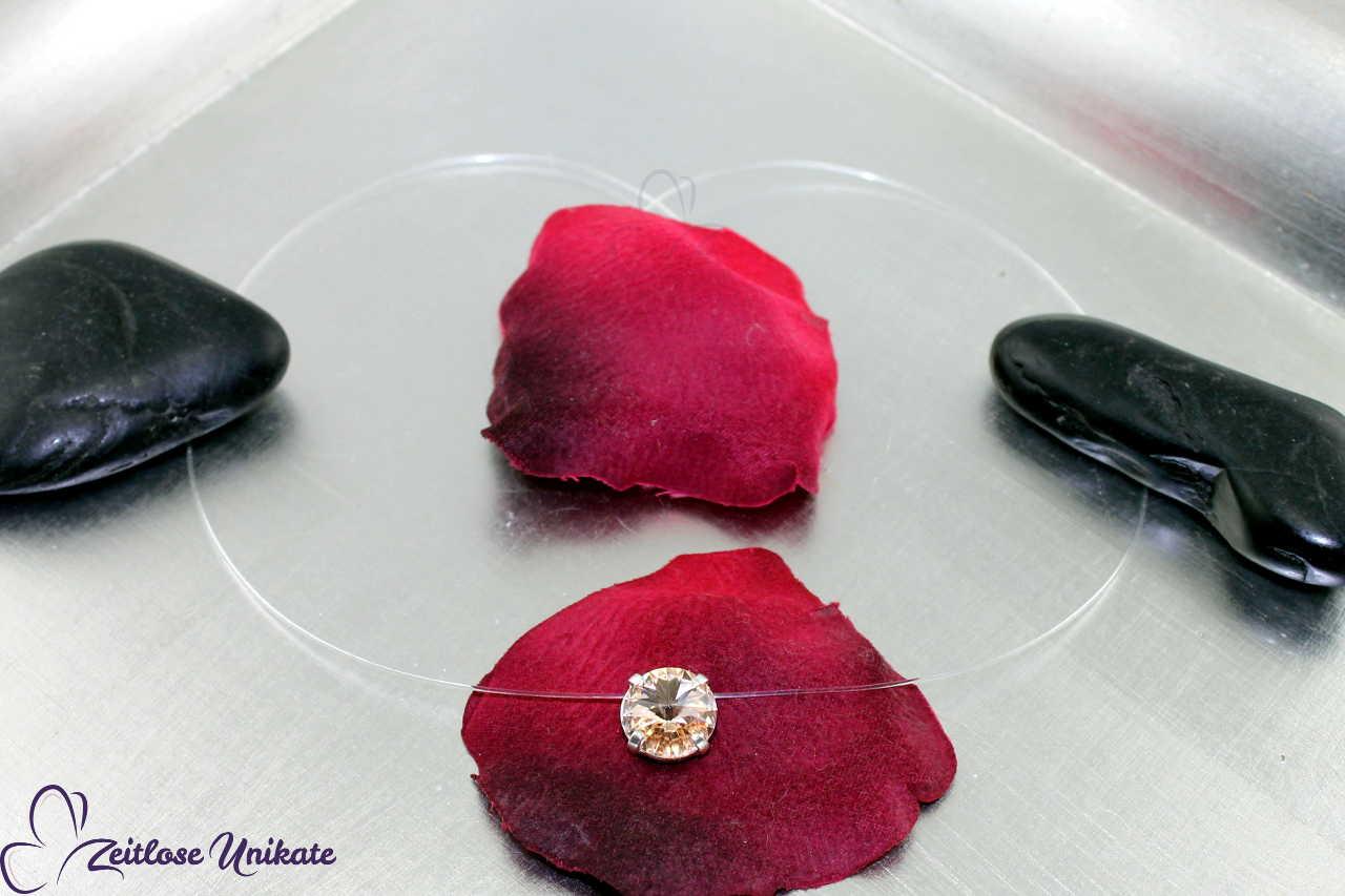 silk Kristallstein in hautfarben - Nyonkette
