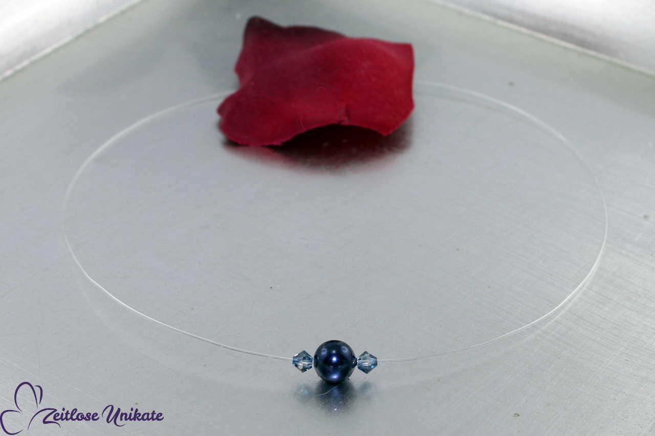 schlichte Kette einzelne Perle mit Kristalle, dunkelblau