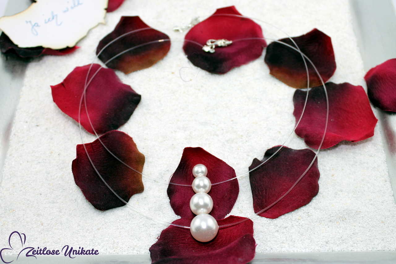transparente Kette mit nur einer Perle