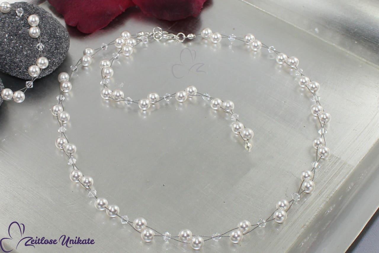 Rückenkette ist an luftige Perlenkette, Braut