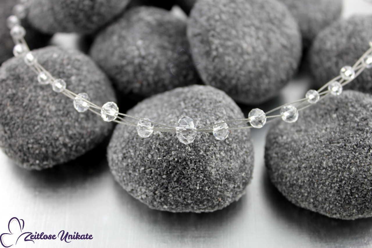 transparente Perlen für die Braut