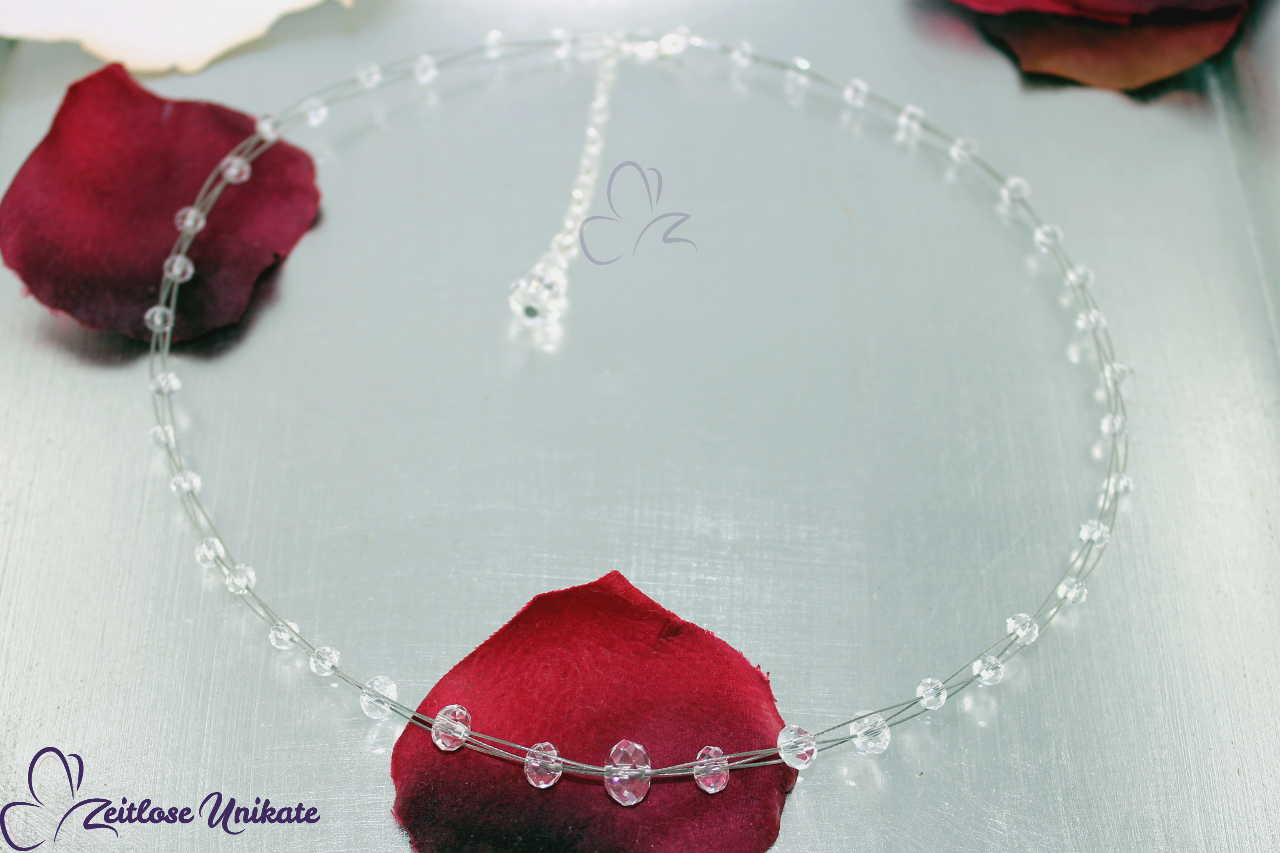Brautkette mit kristall klaren Perlen