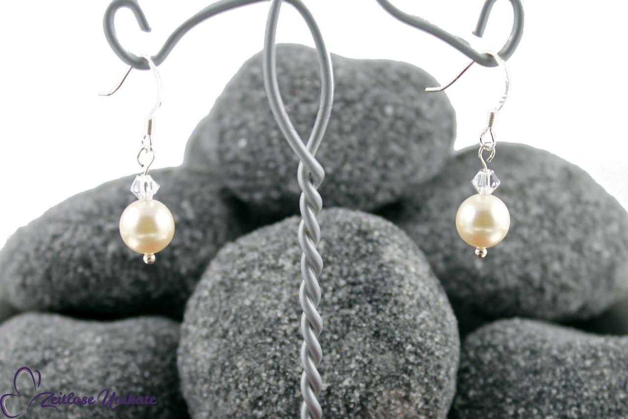 schlichte Ohrringe Ohrhänger für die Braut mit Kristallperle