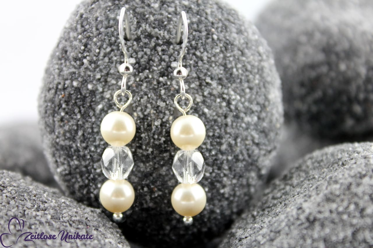 Kurze Perlenohrringe, transparente Perle - zeitlos schön