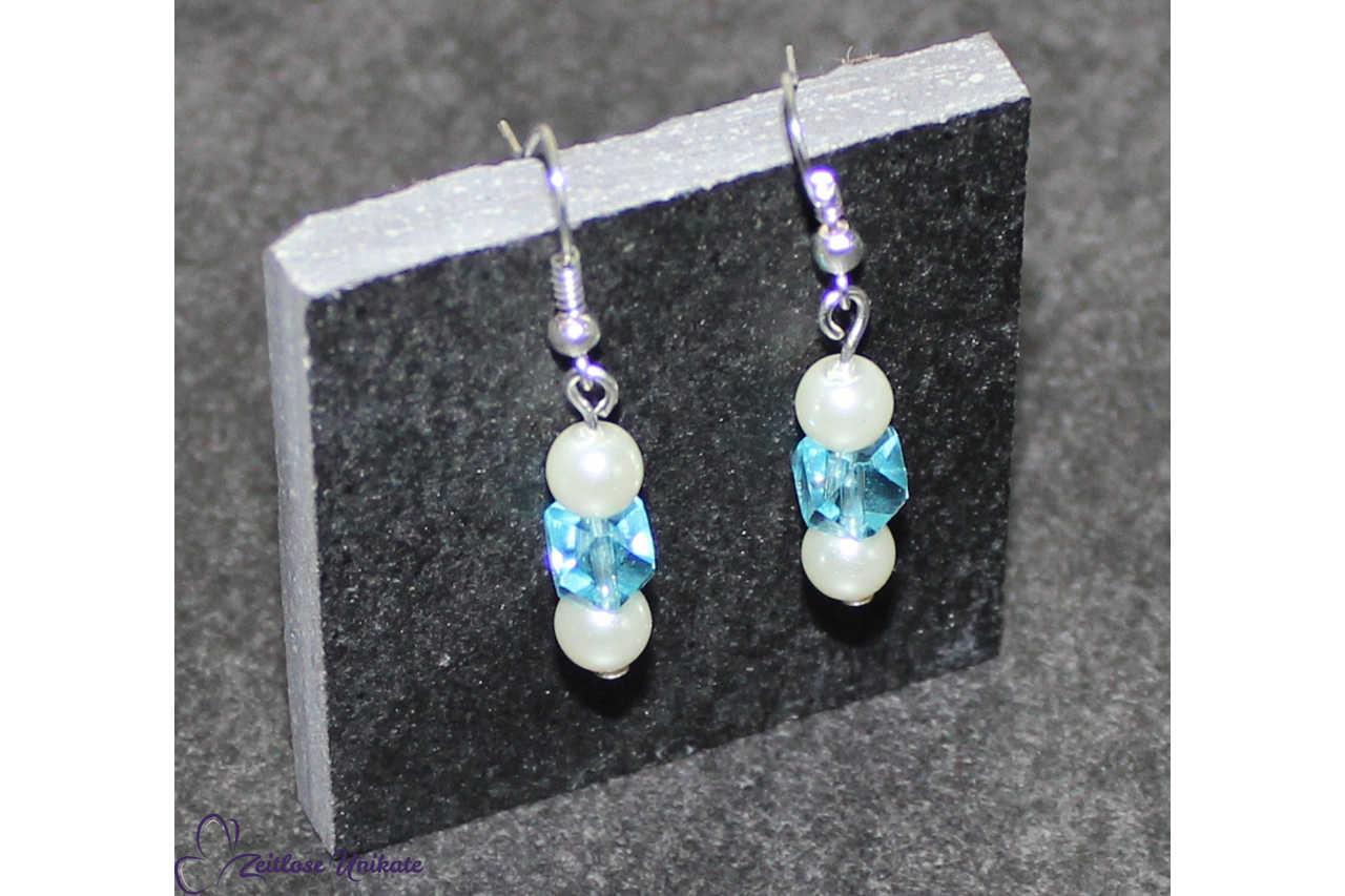 Ohrschmuck mit blauen Perlen