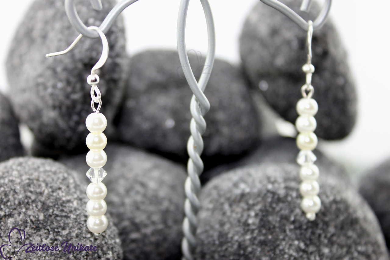 Die Zierlichen Ohrhänger, lang passend zur Perlenkette