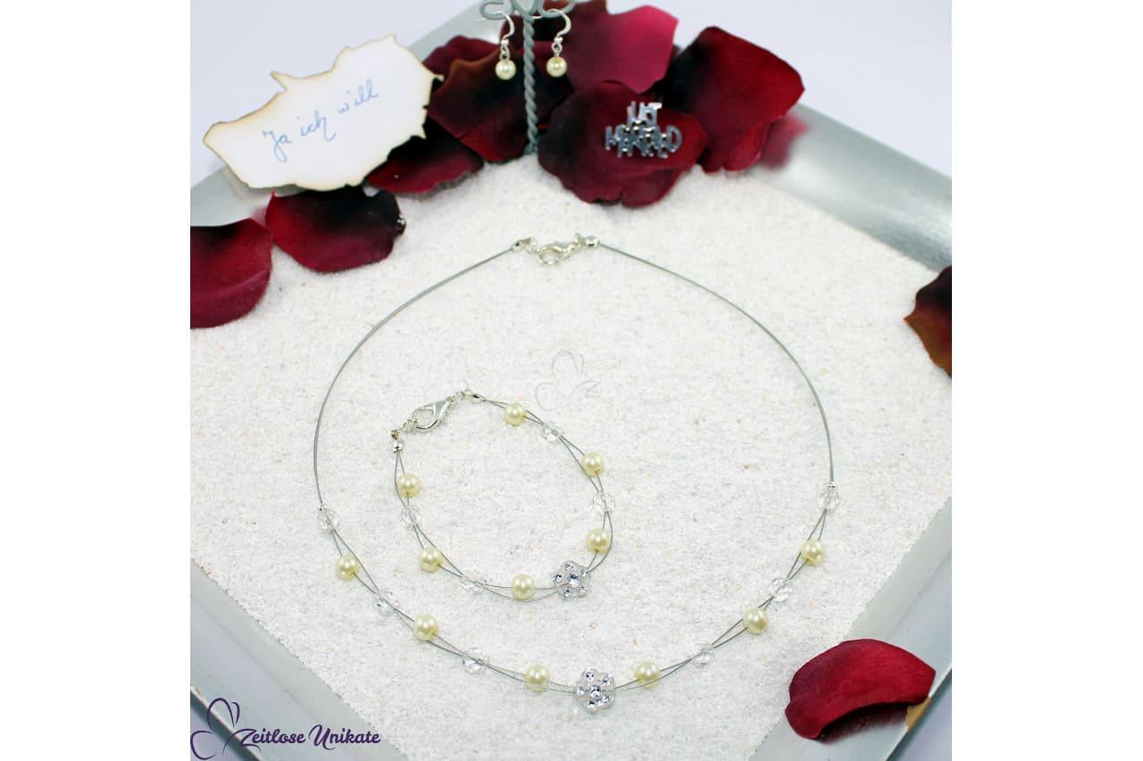 Schlichtes Schmuckset aus Perlen, Blumen, Blume, Glitzer