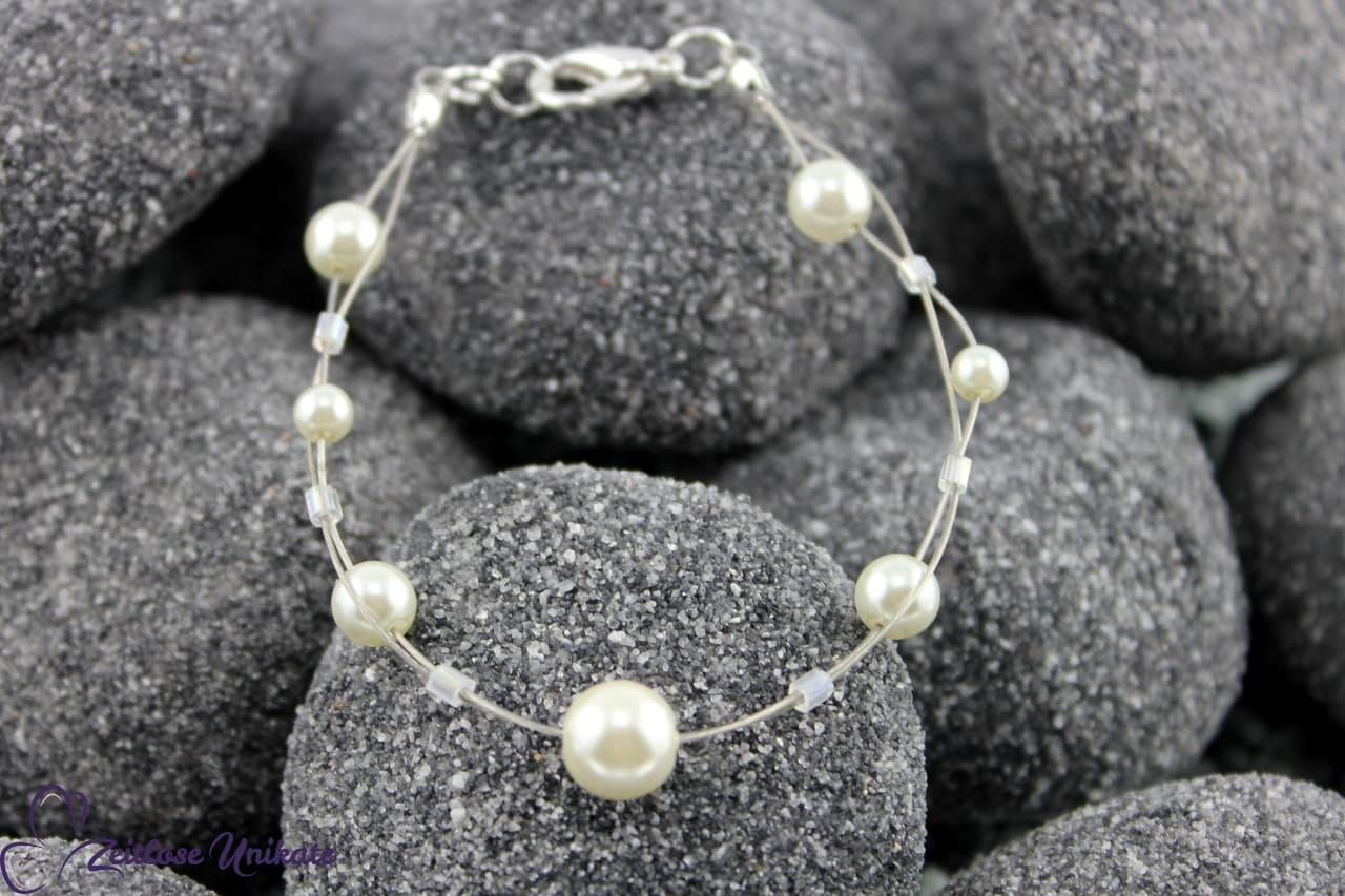 zeitloses, elegantes, verspieltes Perlenarmband, Braut