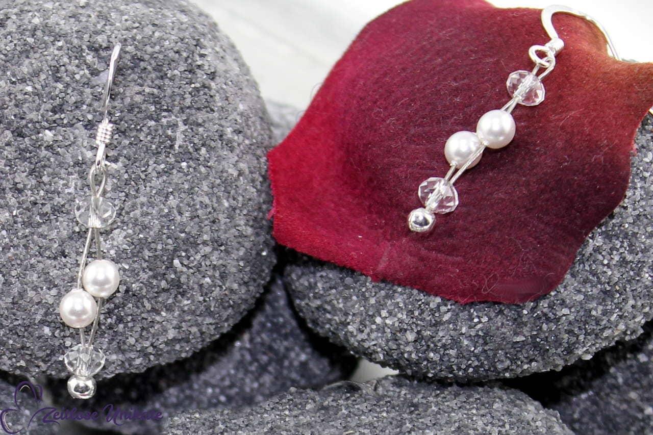 Kleine Perlen, schöne Ohrringe Braut klassisch