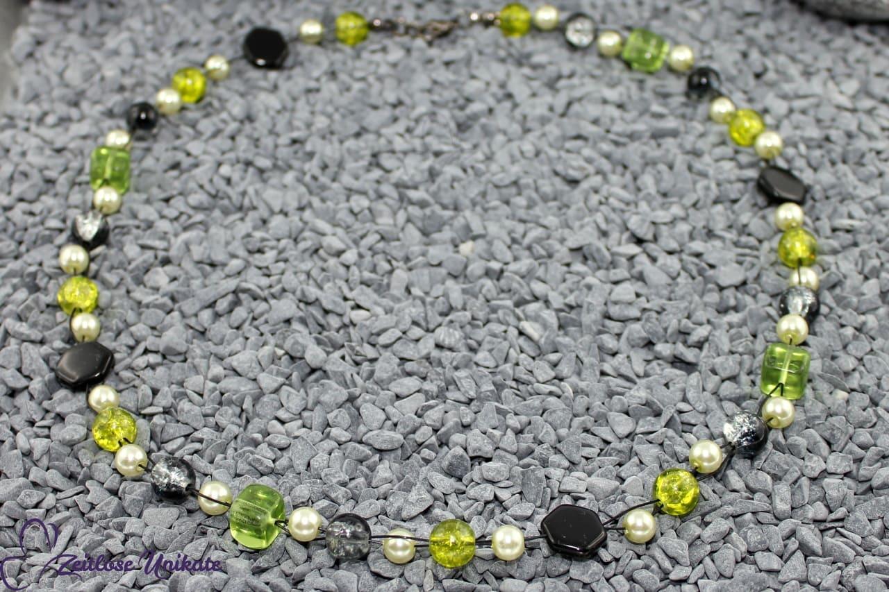 Halskette in schwarz grün