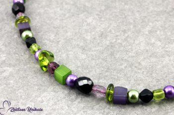 Glasperlenkette grün lila