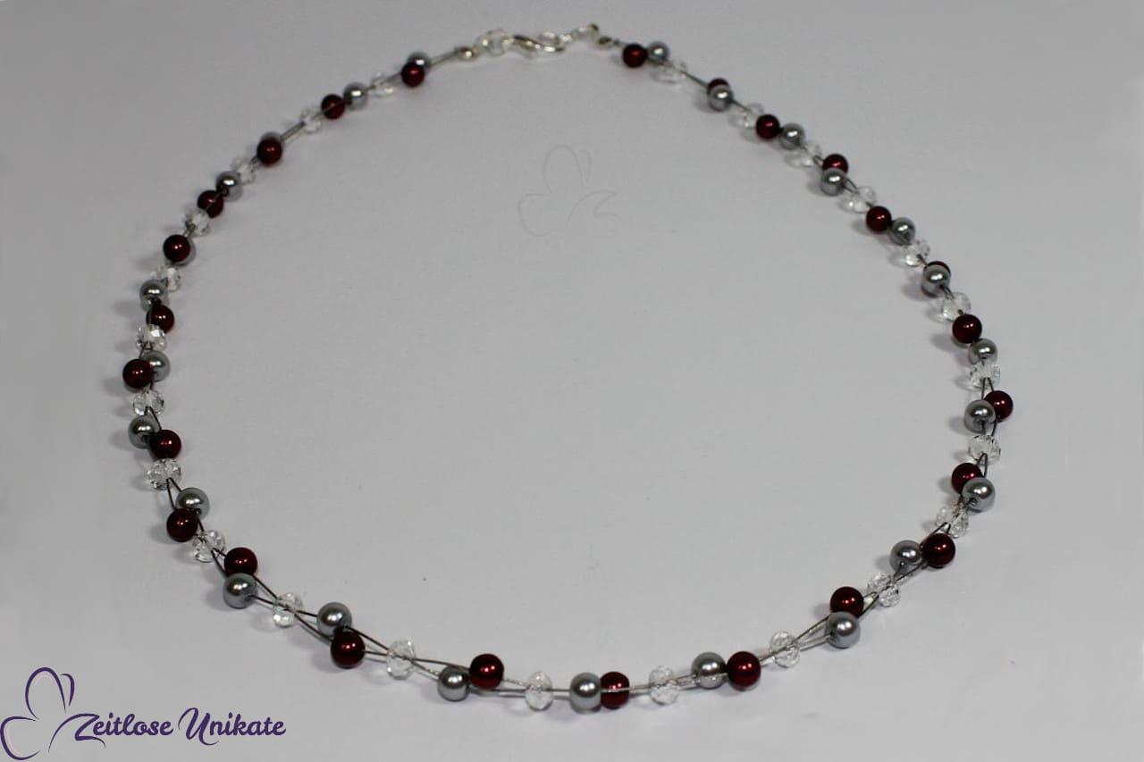 https://info.zeitlose-unikate.de/wp-conunderschöne Kette Trauzeugin passend zur Brautkette mit bordeauxfarbenen Perlen