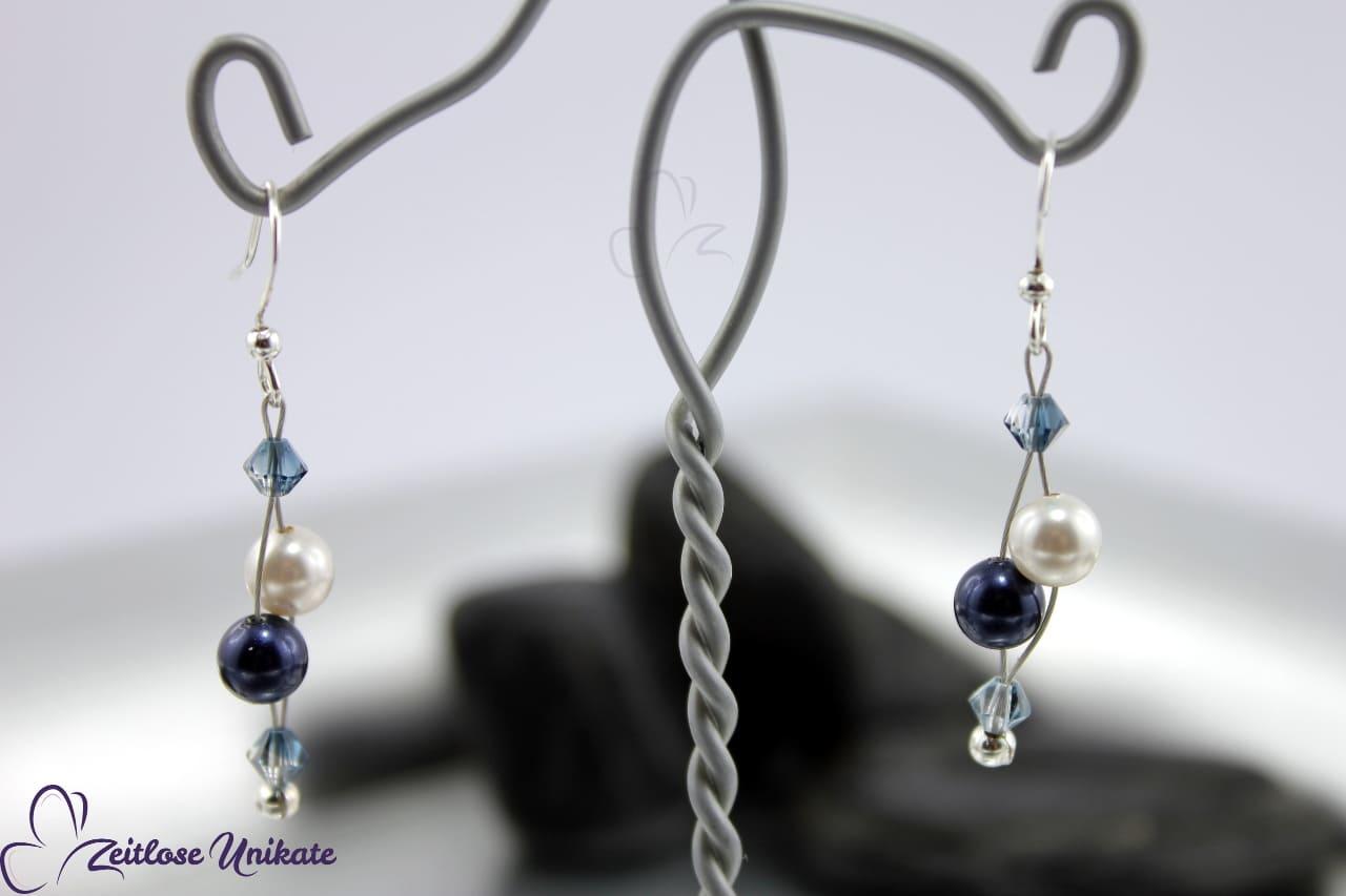 zauberhafte Ohrringe in blau und weiß