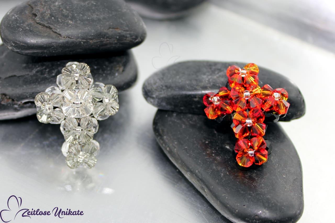 Kreuz aus Swarovski® Xilion Beads, Wunschfarbe möglich