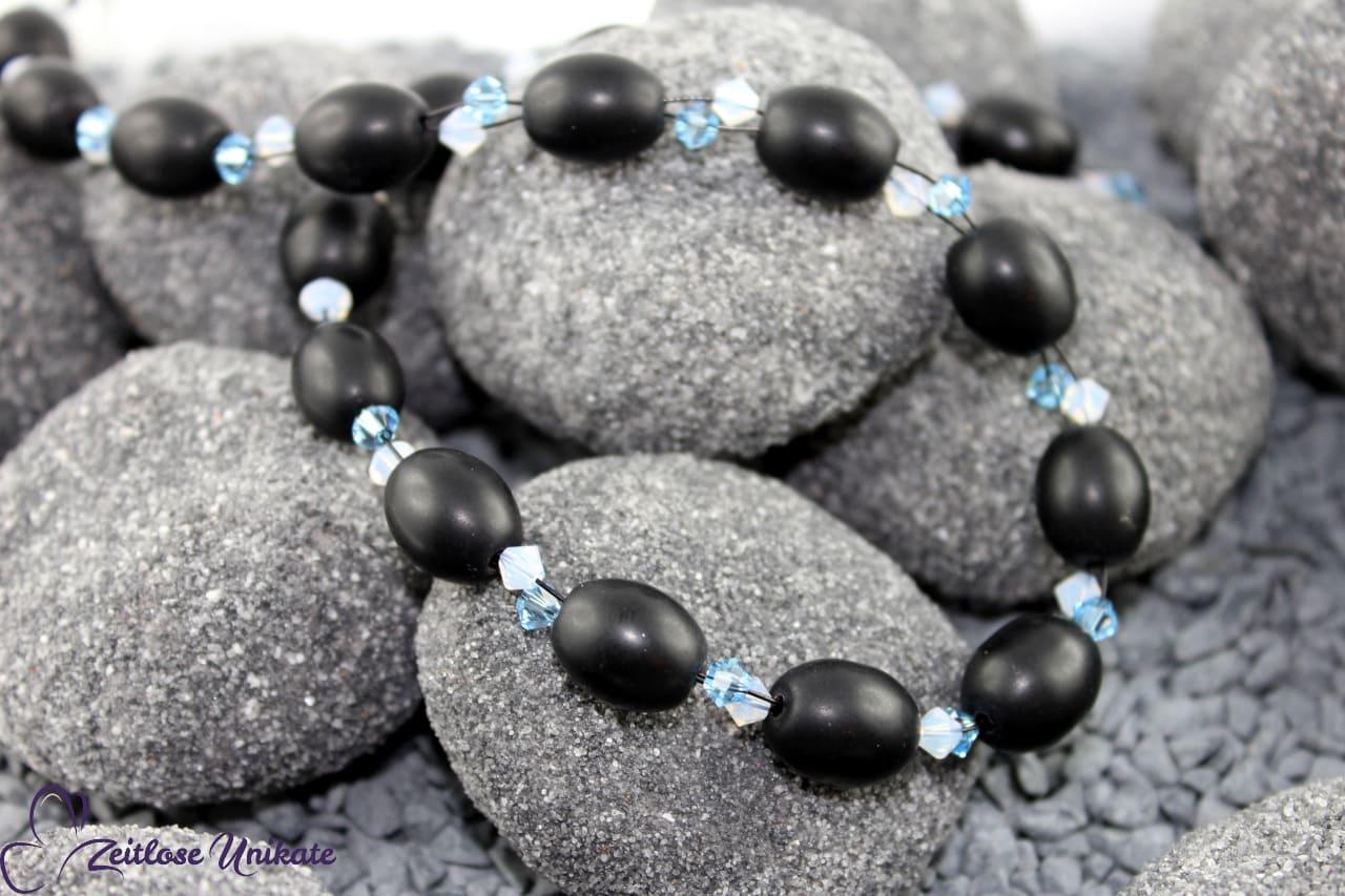 elegante Halskette in schwarz, aqua und weiß