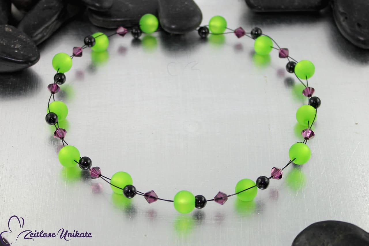 Interessante Polaris Halskette in grün, schwarz, amethyst / lila