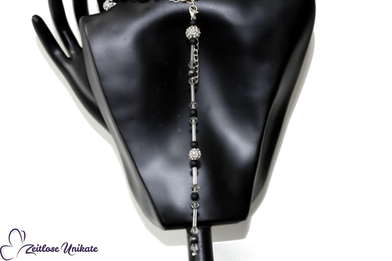 Rückenpendel schwarz, Schmuck für die Hofdame