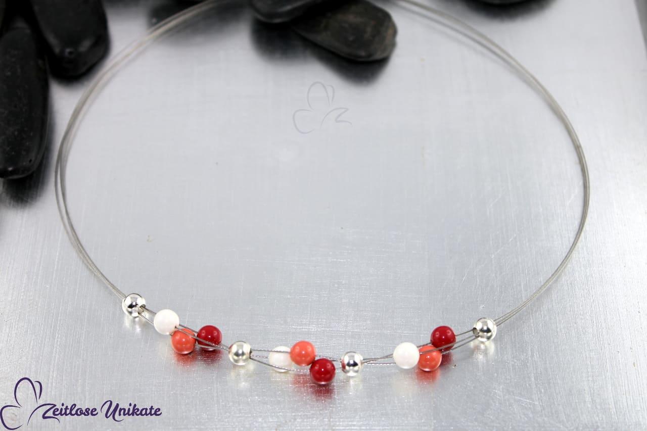 Halskette für alt und jung je nach Farbe hier rote korallen Töne