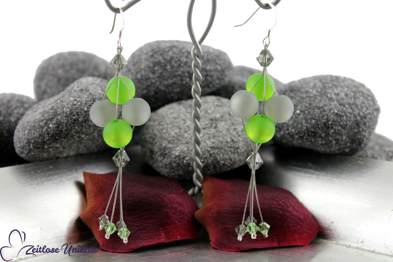 sehr auffällig Polarisohrringe in grün und grau, Kundenwunsch