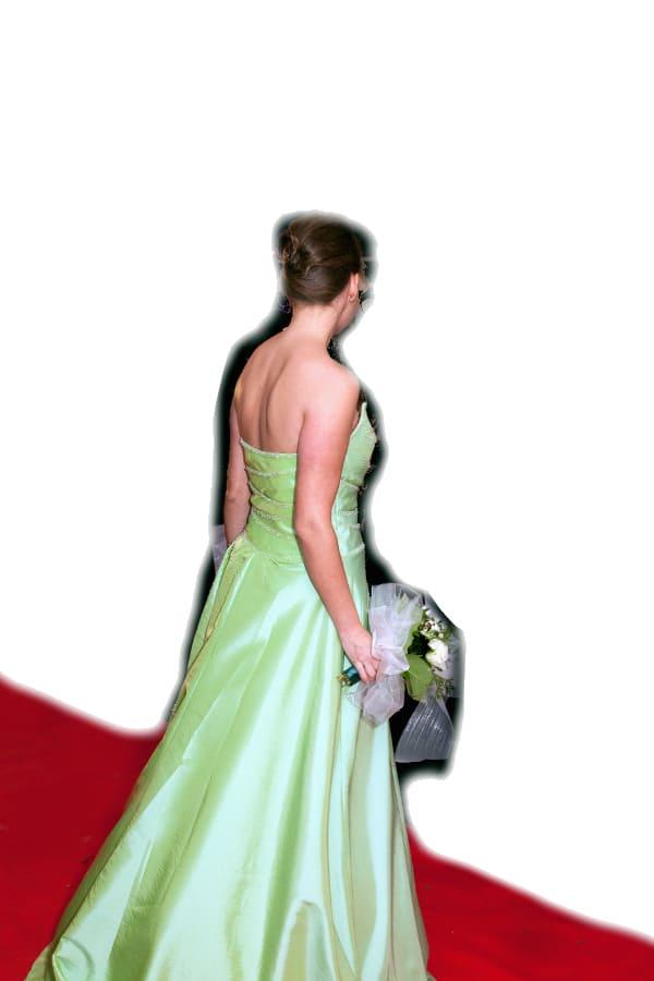 Mein lindgrünes Abendkleid dient als Brautkleid