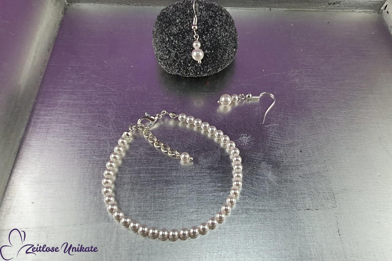 schlichter Perlenschmuck, Brautarmband und Ohrringe zierlich