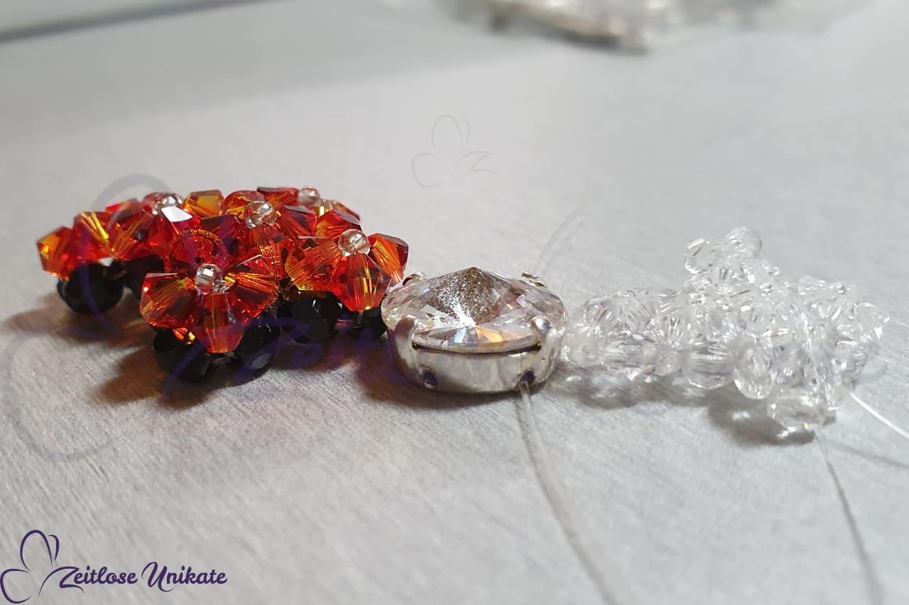 Kreuzanhänger aus Swarovski® Xilion Beads auch in Ihrer Wunschfarbe möglich