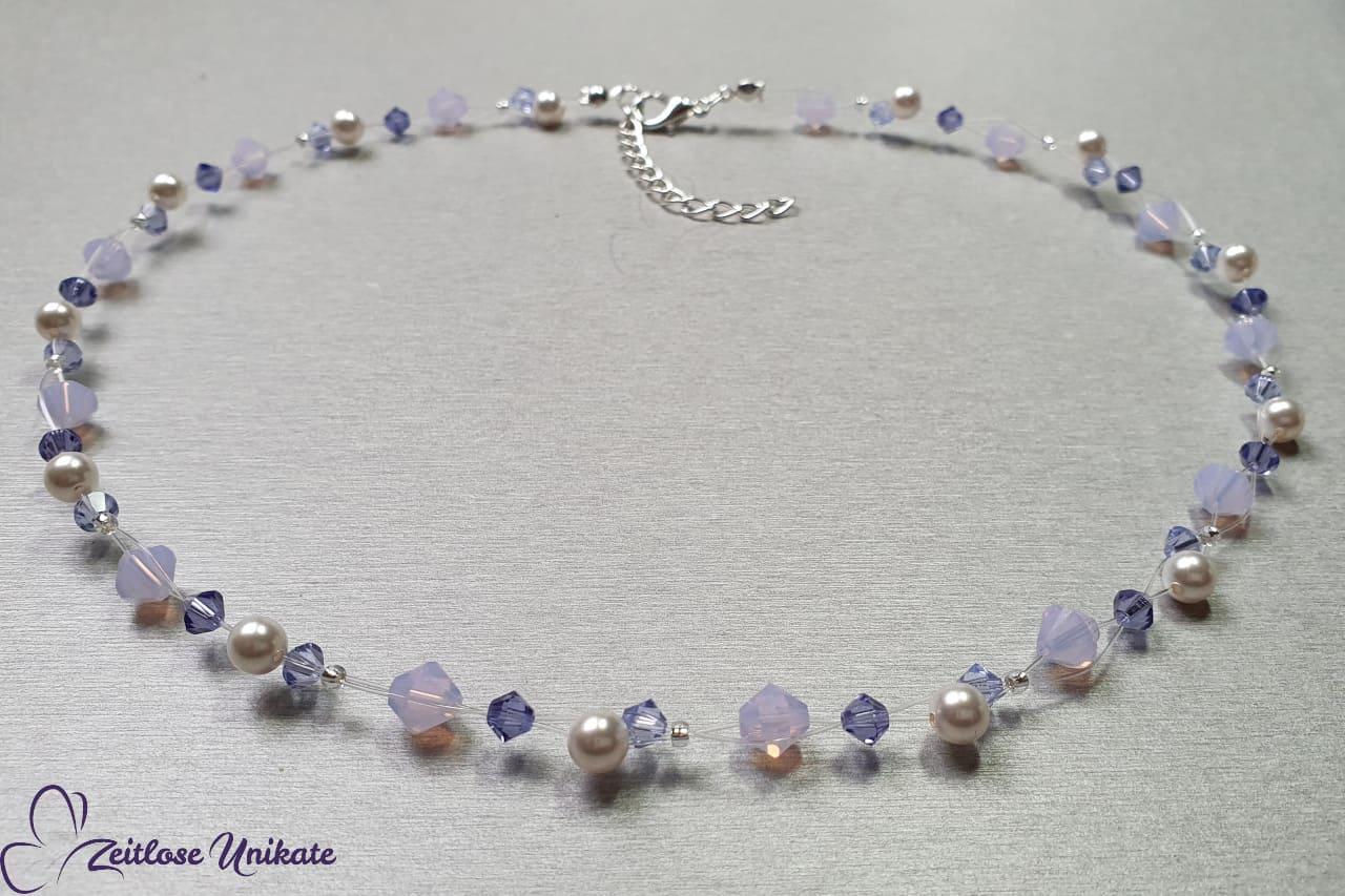 sehr filigrane Halskette durchsichtig zartlila dunkel lila