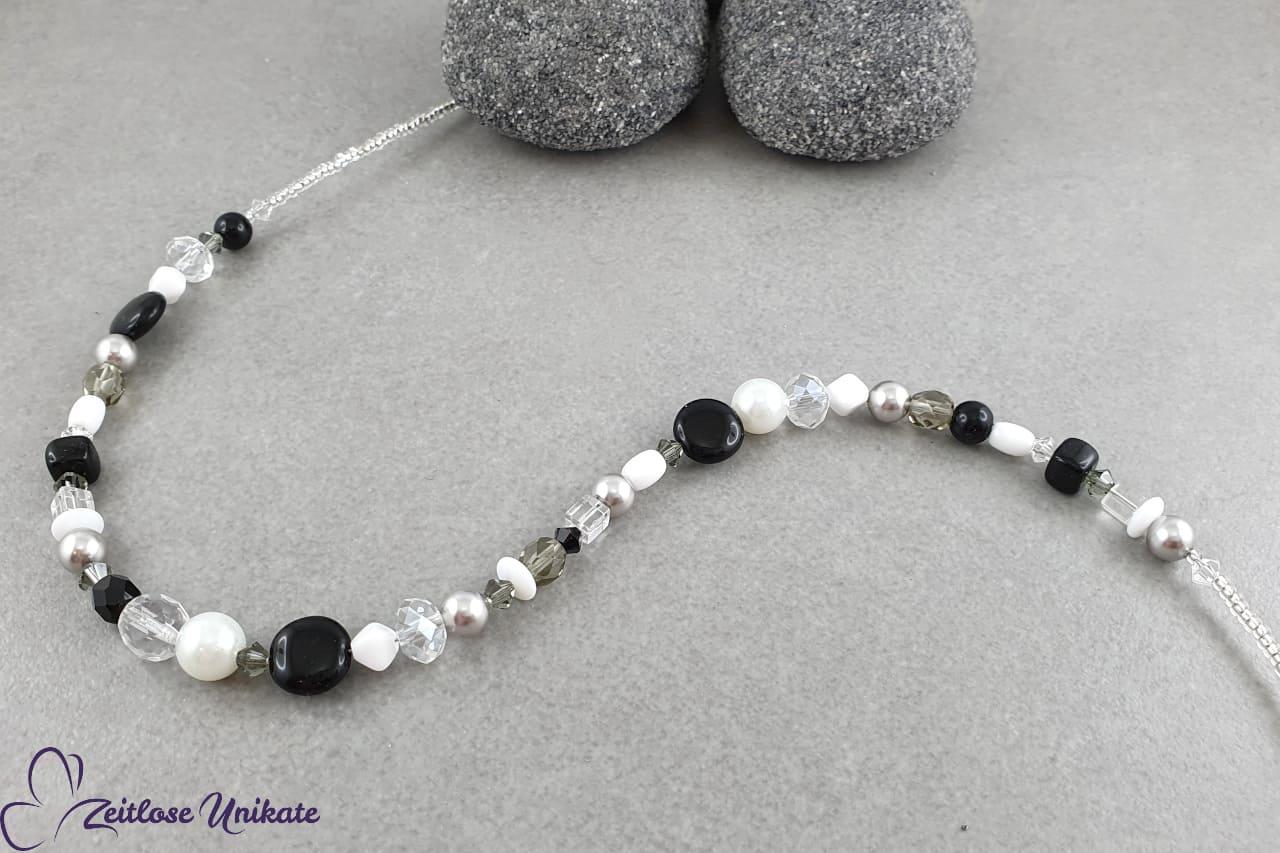 Halskette schwarz weiß grau, sportlich elegant