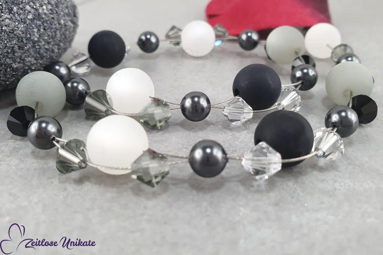 Kette in schwarz weiß und grau, Polarisperlen und Kristalle
