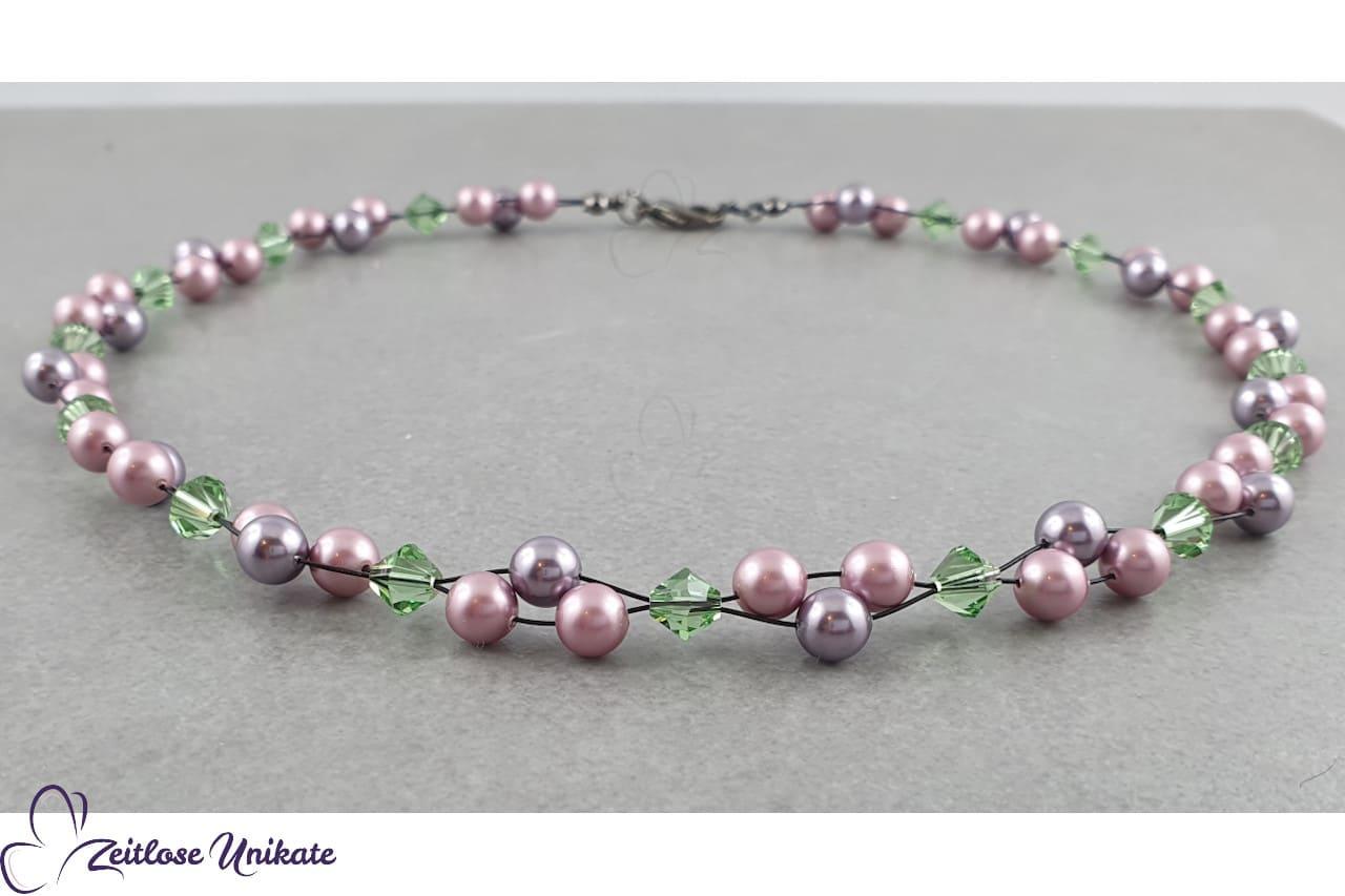 Halskette violett, rosa, grün und schwarz