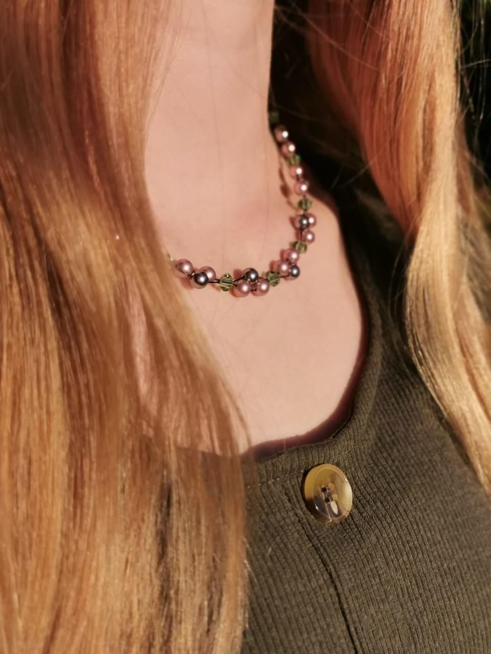 Kundenfoto Kette Violett rosa grün und schwarz