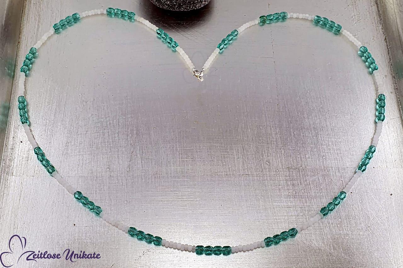 Brillenkette wunderschönes Blau und Weiss, Wunsch