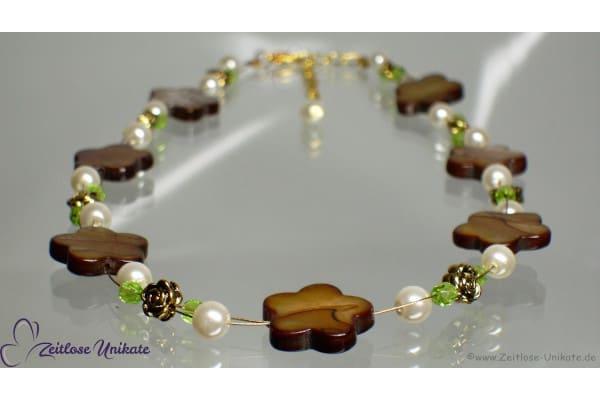 Halskette braun weiß gold Perlmutt Blumen