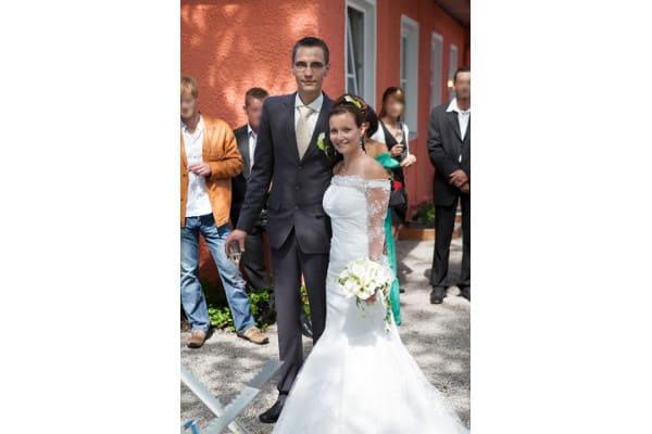 frisch getrautes Brautpaar, Meerjungfrau Brautkleid