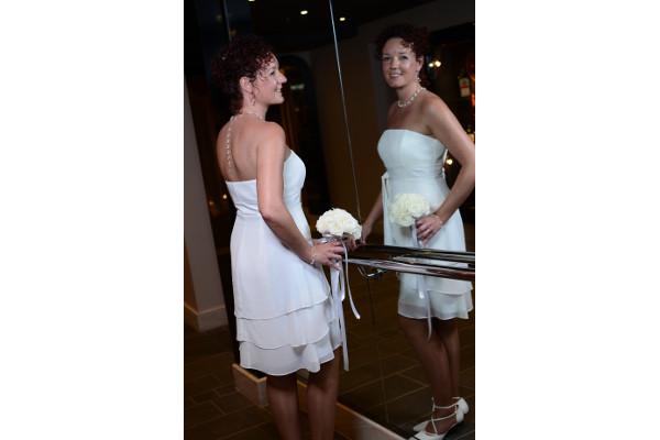 Braut verspiegelter Aufzug, Schmuckfoto