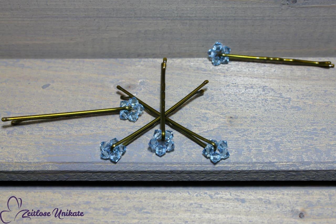 Haarschmuck Etwas Blaues, Blumen aus Kristallen für die Braut