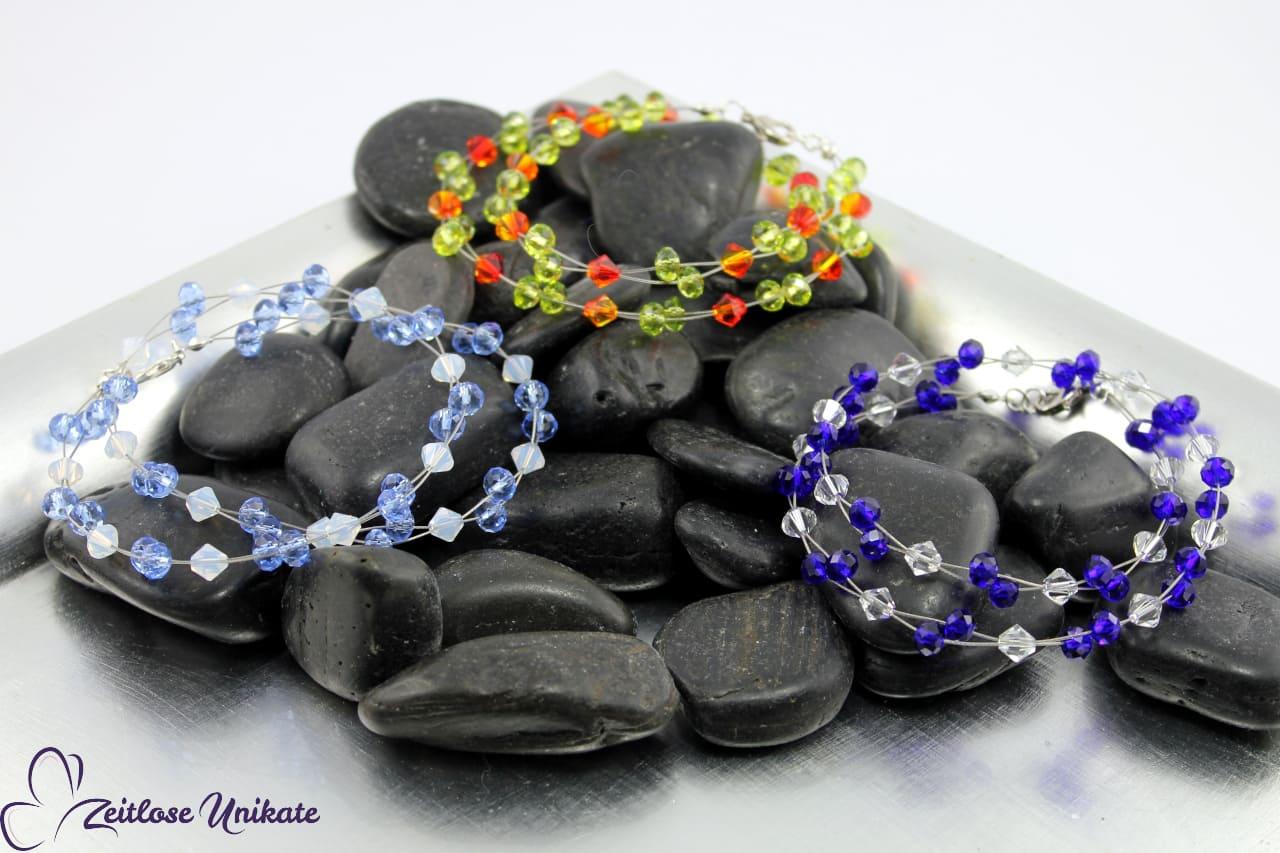 elegante Ketten, Ohrringe und Armbänder, Farbbeispiel